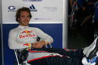 Vergne leads Carlin 1-2-3 for race one at Spa