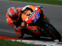 Honda's Stoner on top in Sepang Tuesday test