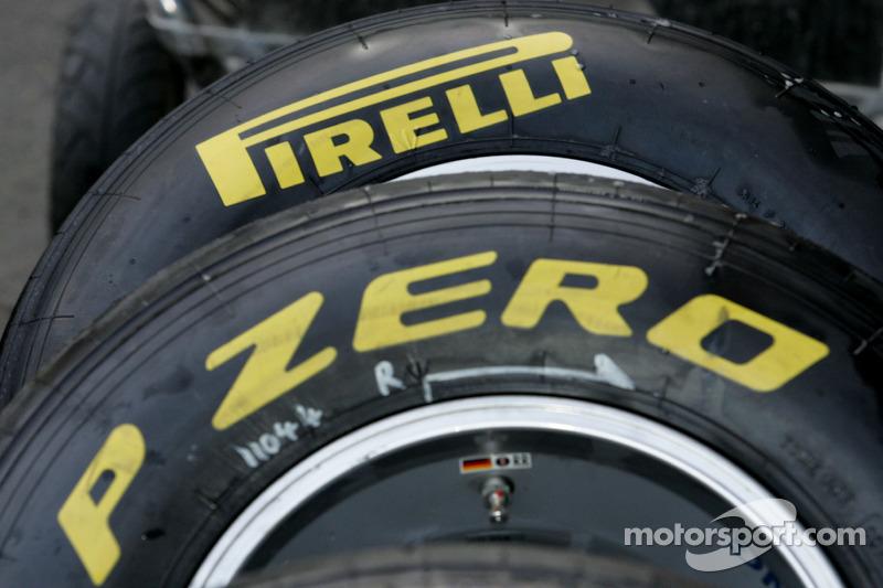 Pirelli Barcelona news 2011-03-08