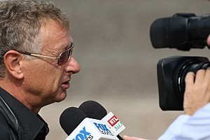 TV commentators want windows for 2012 India GP