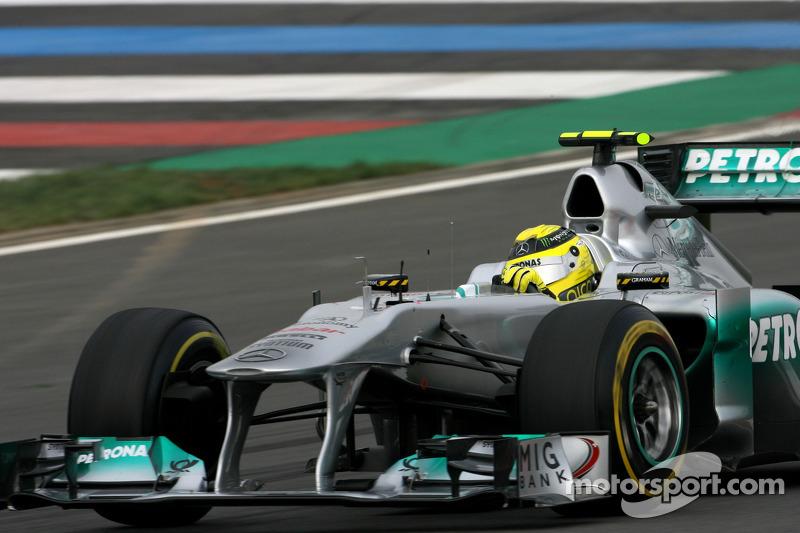 Rosberg admits early McLaren link