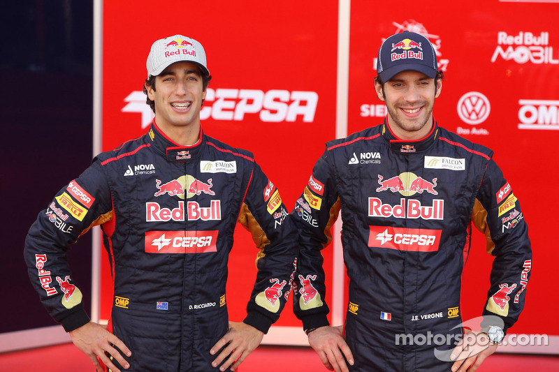 Toro Rosso unviel their STR7 in Jerez