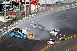 No slam dunk for Stewart at Daytona
