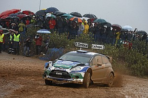 Both Latvala and Solberg stuck in ditches in Rally Portugal