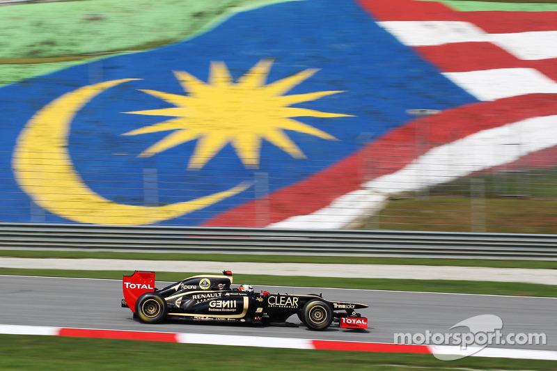 Proton has rights to buy into Lotus team
