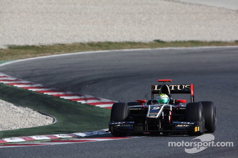 Calado claims maiden pole with superfast lap in Barcelona