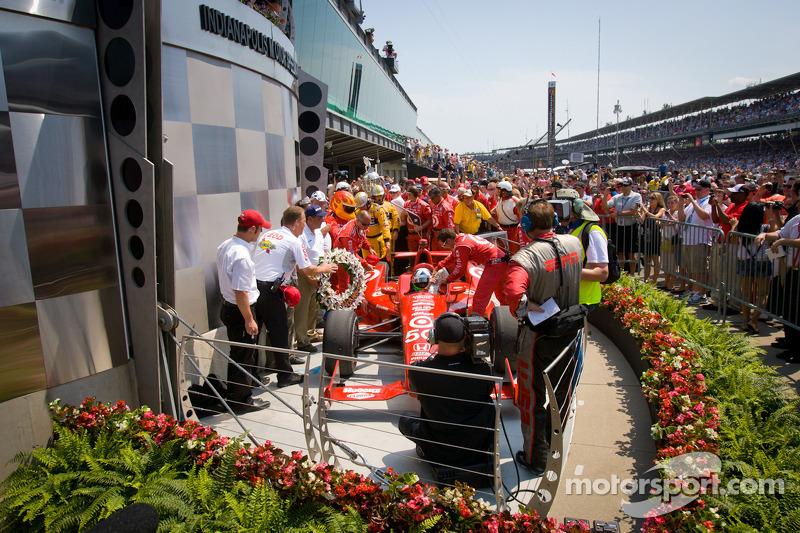 Franchitti claims third 500 win in Honda 1-2 finish