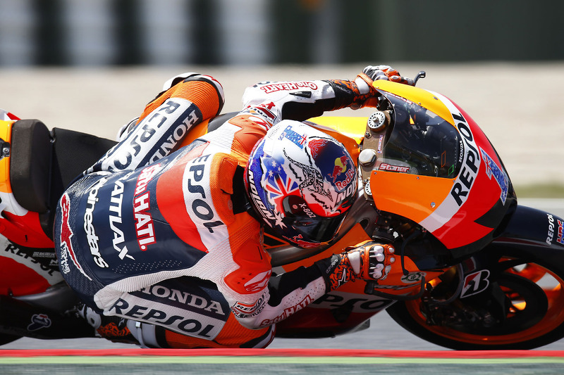 Stoner grabs scorching pole position at Catalunya