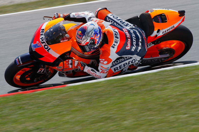 Stoner storms to second pole position of 2012