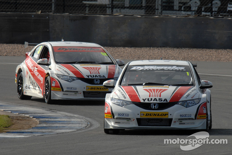 Honda racing duo take Oulton Park clean sweep