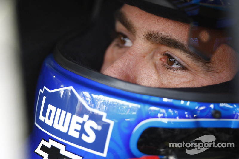 Jimmie Johnson claims driver of the quarter honor