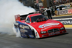 Johnny Gray wins NHRA Funny Car battle in Sonoma