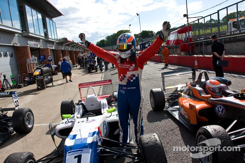 Jack Harvey re-takes the British F3 Championship lead