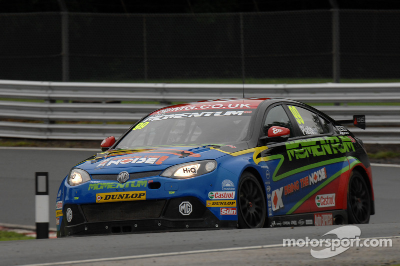 Wrathall pips Plato for career first pole position at Snetterton