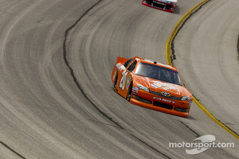 "Logano ""Toughs Out"" an 18th-Place Finish at AMS"