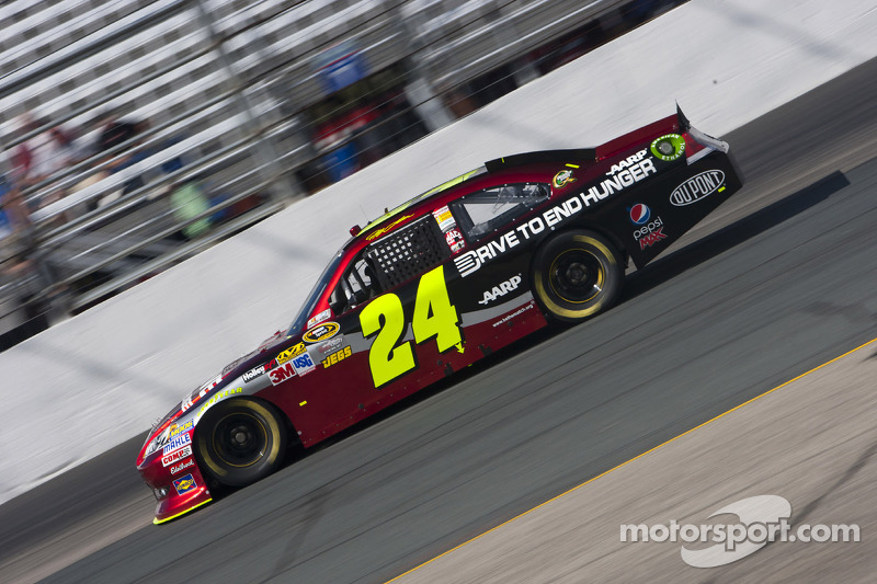 Gordon leads Chevrolet drivers by finishing second in the Dover 400