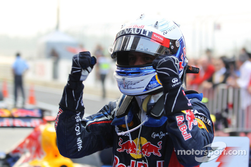 Vettel's 2014 contract 'bullet-proof' - Marko