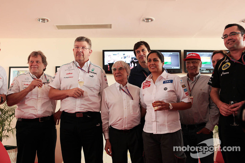 Ecclestone rules out 'electric in the pitlane' in 2014