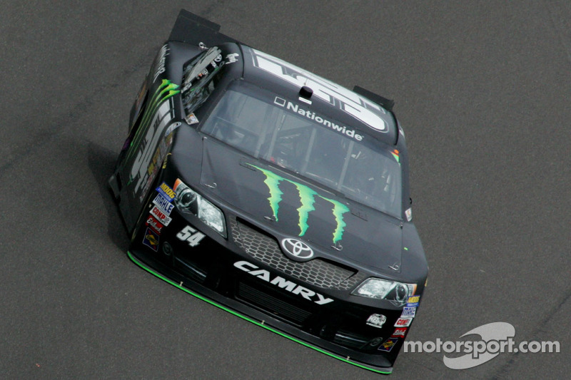Kyle Busch takes fourth in Phoenix 200