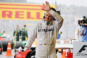 Formula 1 Race report Mercedes' Schumacher ends his career with a battling 7th place finish at Interlagos