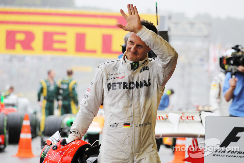 Mercedes' Schumacher ends his career with a battling 7th place finish at Interlagos