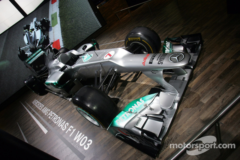 Lauda re-thinking Mercedes' Christmas holiday plans