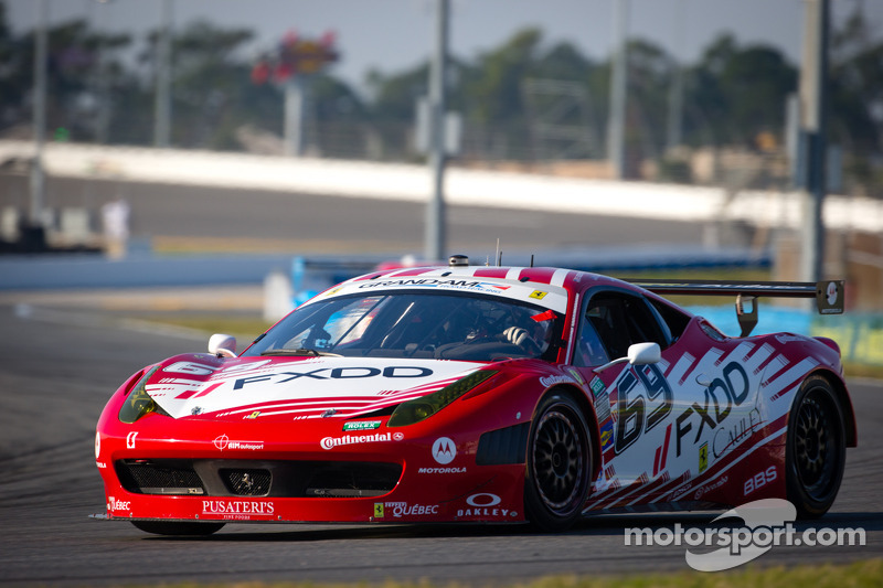 AIM Autosport teams FXDD and R.Ferri qualify in top 12 for Daytona 24H