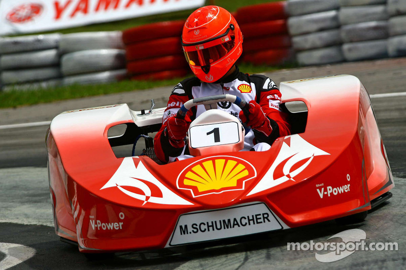 Schumacher to race karts in 2013