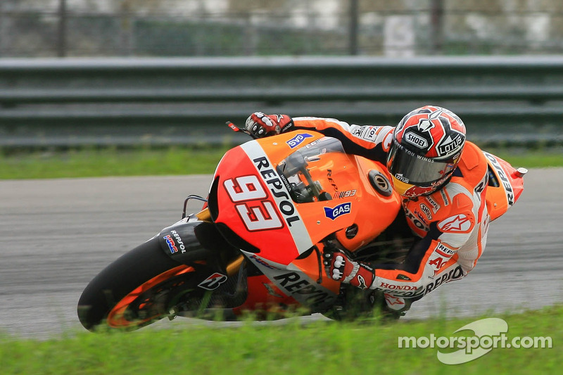 Pedrosa tests suspension on second day in Sepang