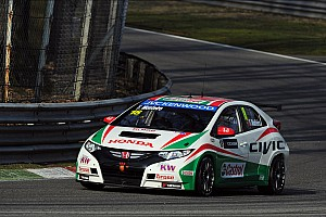 WTCC Qualifying report Monteiro on the first row of the grid ion the Slovakia Ring
