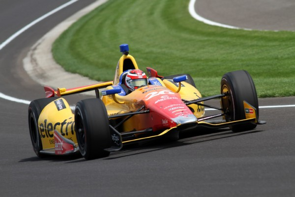 Rookie Carlos Munoz back on top at Indy 500 practice