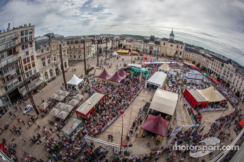Le Mans 24 Hours: The town in party mood!