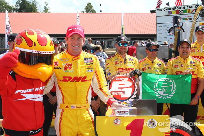 Ryan Hunter-Reay grabs pole at Mid-Ohio