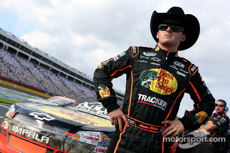 Dillon stands in for Stewart at Michigan