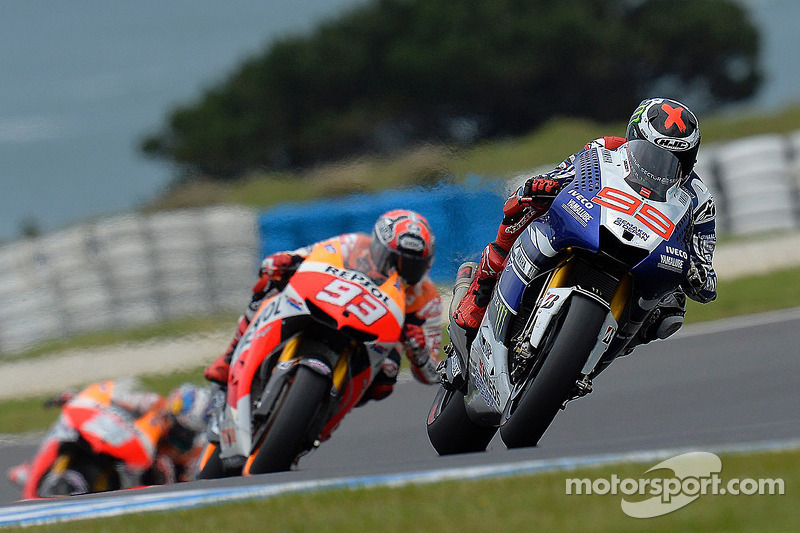 Lorenzo masters wet Motegi for perfect pole