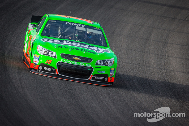 Patrick ends season with 20th-place finish