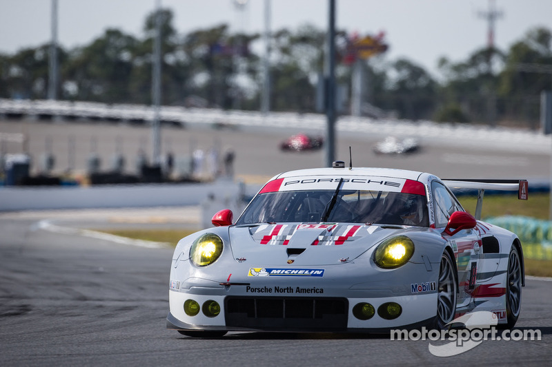Porsche, Audi take GT wins in Rolex 24