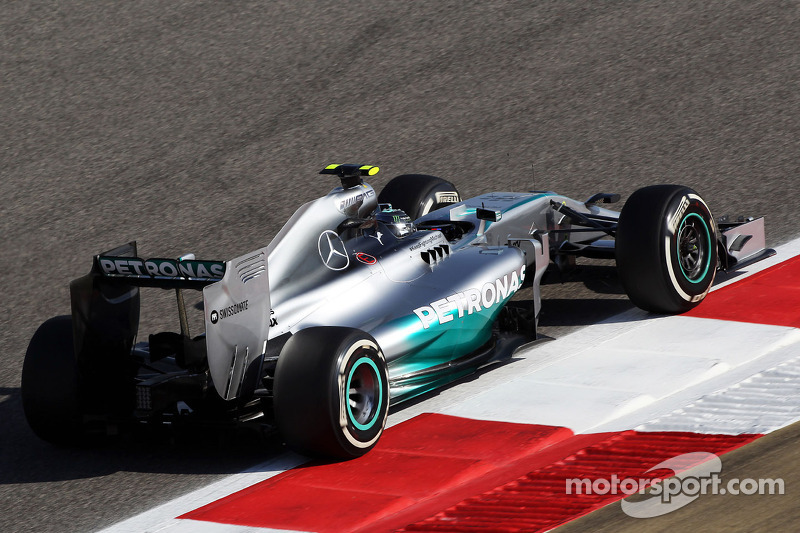 Mercedes on front row of Bahrain starting grid with Nico Rosberg in front