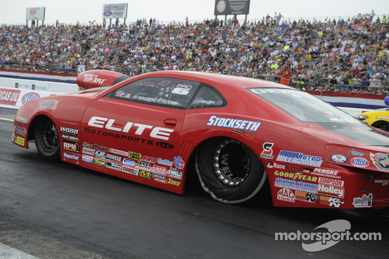 Enders-Stevens extends Pro Stock points lead at Atlanta