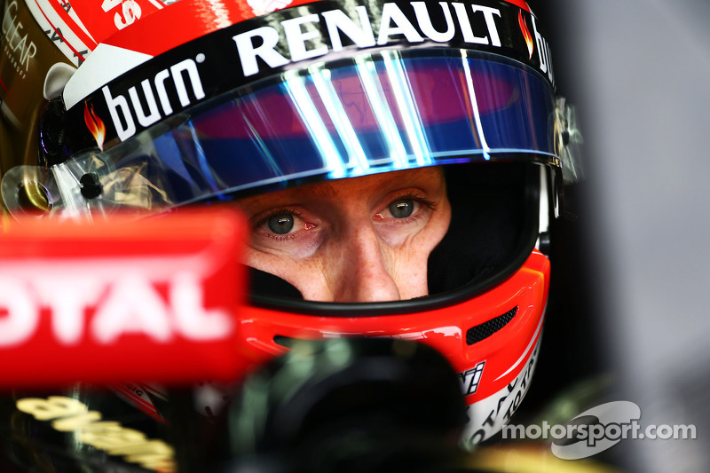 Grosjean not ruling out Lotus exit