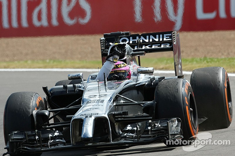 Button not worried as critical Dennis 'on side'