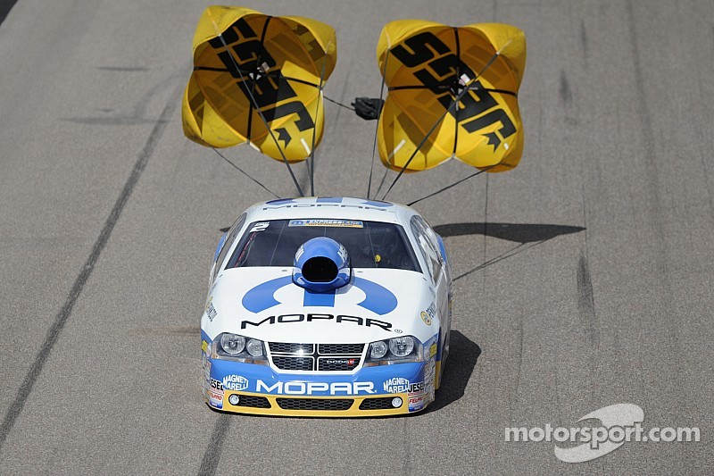 Johnson on top of Mopar Mile High NHRA Nationals Pro Stock qualifying