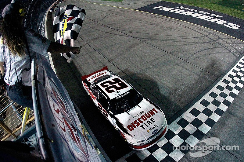 Keselowski dominates standalone Nationwide race in Iowa