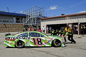 Kyle Busch sidelined early at Michigan
