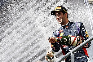 Daniel Ricciardo declares title hunt now on