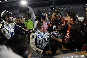 Gordon and Keselowski fight after Texas race