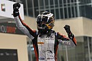 Vandoorne dominates Feature Race at Yas Marina