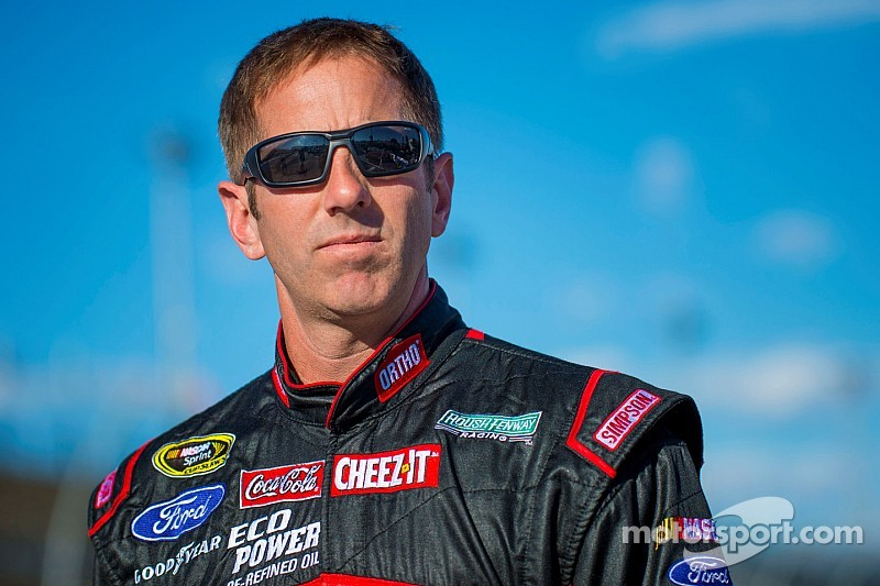 Biffle slams the wall in first practice