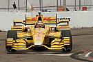 Winglet debris puts IndyCar race under caution one lap in