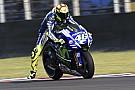 Rossi se queja de una